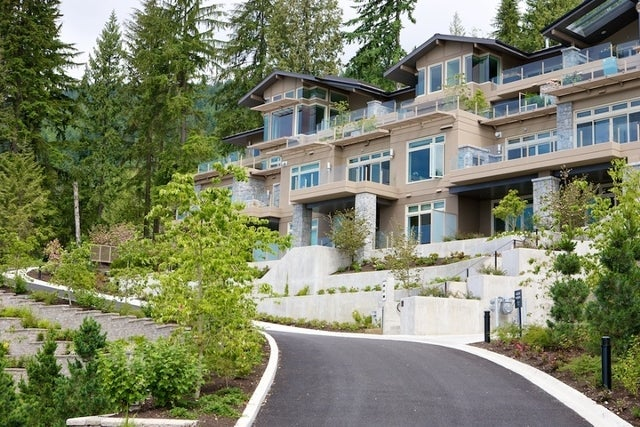 Aerie II   --   2575 GARDEN CT - West Vancouver/Whitby Estates #2
