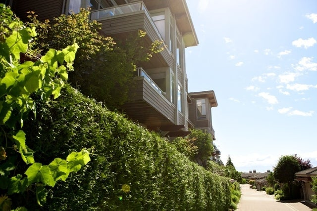 Salishan   --   2466 - 2490 VARLEY LN - West Vancouver/Panorama Village #1