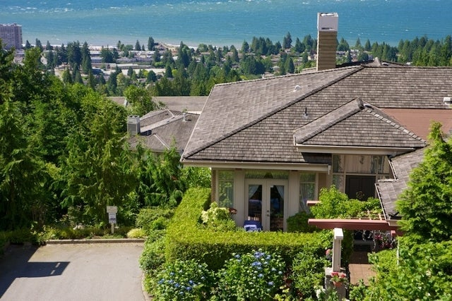 Salishan   --   2466 - 2490 VARLEY LN - West Vancouver/Panorama Village #13