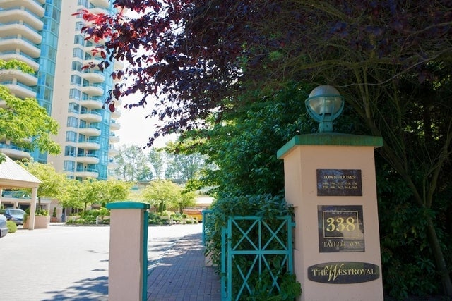 West Royal   --   338 TAYLOR WY - West Vancouver/Park Royal #4