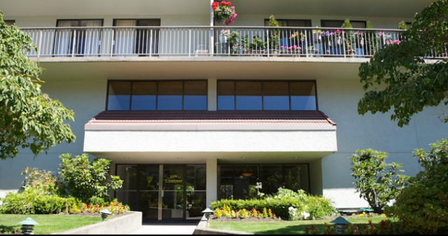 Lioncrest   --   1745 ESQUIMALT AV - West Vancouver/Ambleside #4