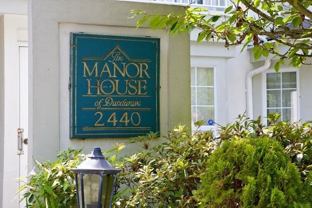 The Manor House   --   2440 HAYWOOD AV - West Vancouver/Dundarave #1