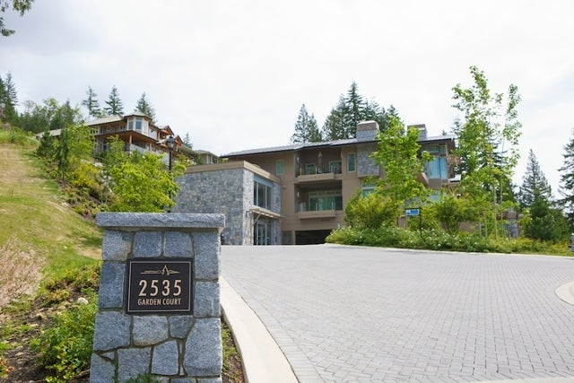 The Aerie   --   2535 GARDEN CT - West Vancouver/Whitby Estates #3