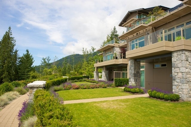 The Aerie   --   2535 GARDEN CT - West Vancouver/Whitby Estates #28