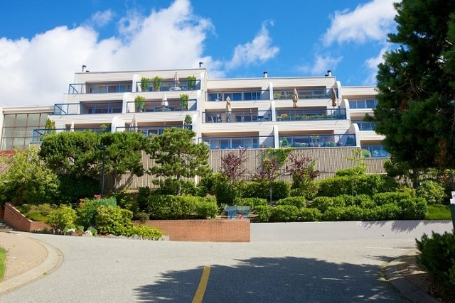Summit   --   2272 - 2278 FOLKESTONE WY - West Vancouver/Panorama Village #7
