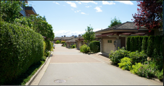 Salishan   --   2416 - 2462 CARR LN - West Vancouver/Panorama Village #6