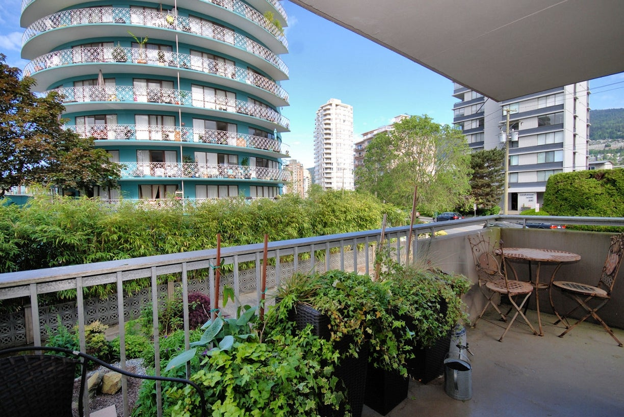 202 - 2150 Bellevue Ave, West Vancouver - Dundarave Apartment/Condo for sale, 2 Bedrooms (R2065778) #2
