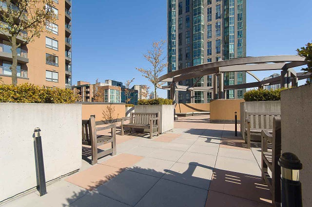 1703 1189 HOWE STREET - Downtown VW Apartment/Condo for sale, 1 Bedroom (R2405895) #1